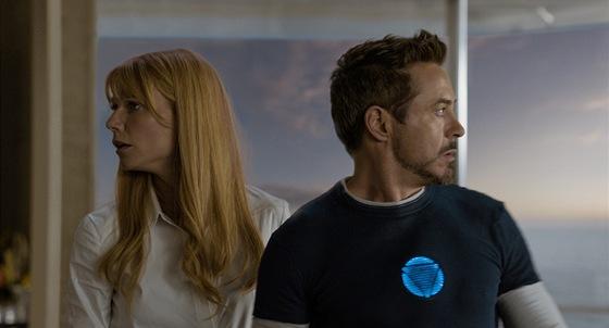 Gwyneth Paltrow a Robert Downey Jr. ve filmu Iron Man 3