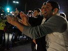 Lidé slaví v ulicích Watertownu zadržení Džochara Carnajeva.