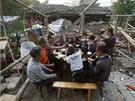 Lidé z nejvíce zdevastovaných vesnic přežívají jen na základních potravinách