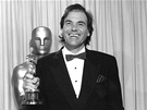 Oliver Stone s Oscarem za re�ii filmu Narozen 4. �ervence