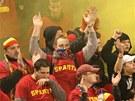 Fandov� Sparty Praha na ostravsk�m stadionu Bazaly (20. dubna 2013)