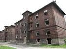 Většina domů na Přednádraží je zcela zdevastovaná. (29. dubna 2013)