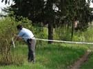 N�lez lidsk�ch nohou v pra�sk�ch Hrab�vk�ch (25. dubna 2013)