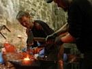 Dvan�ct kov��� v sobotu pracovalo na hrad� Helf�t�n u t�ech v�hn�. N�v�t�v�ci