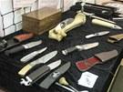 Alexandr Pospíšil některé ze svých unikátních nožů představil v pelhřimovském