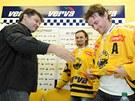 Hokejový Litvínov na tiskové konferenci podepsal nové kontrakty s