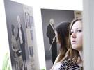"""Výstava nazvaná """"Příběhy bezpráví - z místa, kde žijeme"""" přibližuje osudy lidí"""