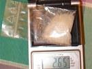 Zabaveny byly také necelé 3 gramy pervitinu.