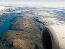 Pohled z letadla na fjord Akrafjorden těsně před přistáním v Bergenu
