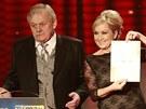 Cený TýTý za rok 2012 - Je to v pr…, vyhrkla Bára Basiková na TýTý ve chvíli, kdy oznámila jméno Karla Šípa.