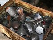 Většinu rozšlapaných uren policisté našli v jedné ze sběren na Lounsku.