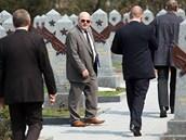 Rusové žijící v Praze se přou s ruskou ambasádou o kvalitu oprav náhrobků