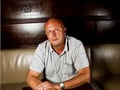 Exministr zdravotnictví Tomáš Julínek v kavárně Rotor, kterou provozuje firma