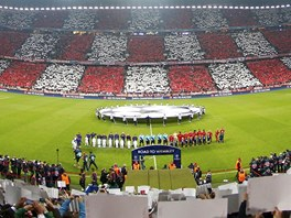 Fotbalový stadion v Mnichově těsně před výkopem semifinále Ligy mistrů mezi