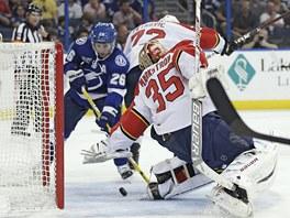 REKORDMAN. Martin St. Louis si v domácím zápase Tampa Bay vs. Florida připsal jeden gól a asistenci a v 37 letech stal nejstarším vítězem kanadského bodování základní části NHL.