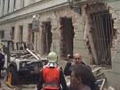 Budova v Divadelní ulici číslo 5 chvilku po výbuchu.