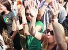 Na třech pódiích čekalo na návštěvníky hradeckého majálesu dvacet kapel.