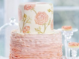Vanilkový dort s jahodovou náplní