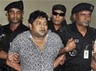 Bangladéšská policie zatkla majitele osmipodlažní budovy, která se zřítila