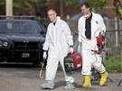 Agenti FBI ohledávají dům Ariela Castra v Clevelandu (8. května 2013)