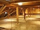 Na obnově zámecké sýpky pracovaly více než rok desítky řemeslníků.