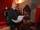 V kon�rn� hradu Karl�tejn za�ala v�stava kost�m� a rekvizit ze slavn�ho filmu.