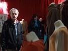 V konírně hradu Karlštejn začala výstava kostýmů a rekvizit ze slavného filmu.