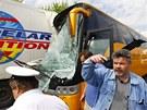 Na rychlostní silnici R7 nedaleko pražského letiště v Ruzyni se srazil kamion s