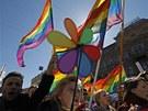 V Rusku se demonstrovalo i za práva homosexuálů(1. května 2013).