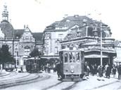 Poblíž ostravského hotelu Palace stála jedna z prvních přestupních stanic v