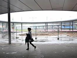 Stejný prostor před výpravní budovou při současné rozsáhlé rekonstrukci.