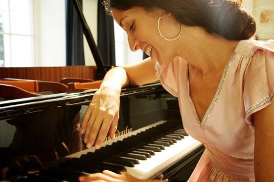 Klav�ristka Zoe Rahman