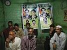 Předvolební nálada v jedné z pákistánských čajoven (11. května 2013)
