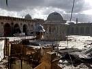 Rozstřílená mešita v Aleppu (10. května 2013)