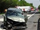 Sr�ka t�� automobil� zablokovala na n�kolik hodin v�padovku z Ostravy sm�rem