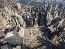 Pohled na Ground Zero ze střechy One World Trade Centre.