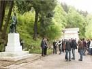 Odhalení sochy zakladatele lázní v Kyselce Heinricha Mattoniho.