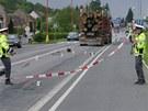 Tah z Uhersk�ho Hradi�t� sm�rem na Zl�n byl v Jaro�ov� po nehod� zcela uzav�en�