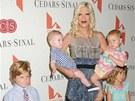 Tori Spellingová s dětmi