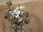 Vlastní portrét vozítka Curiosity, které po�ídilo 31. �íjna 2012 na Marsu....