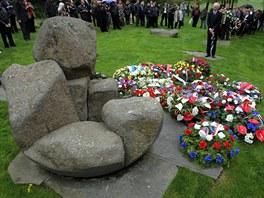 Zhruba sto lidí přijelo k památku v Letech na Písecku, aby uctili oběti