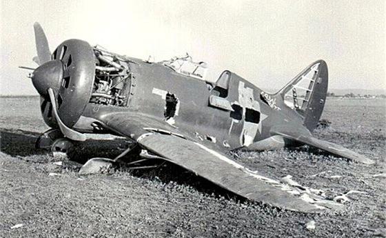 Sovětský Polikarpov I-16 sestřelený J. Drličkou na Avii B.534 dne 7.9.1941.
