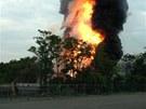 Nehoda vlaku u Baltimoru v USA způsobila výbuch. Kouř je vidět na kilometry