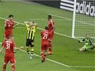 ALE NÉ! Jakub Blaszczykowski z Dortmundu se drží za hlavu, právě zahodil šanci.