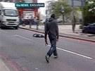 Otřesný útok zachytily kamery přihlížejících (22. května)