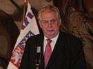 Prezident Miloš Zeman a ministr školství Petr Fiala oznamují na tiskové