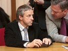 Pavel Bém při jednání pražského zastupitelstva, na kterém byl odolán primátor