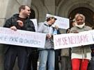 Demonstrace občanských iniciativ a Romů za lepší sociální bydlení v Ostravě.