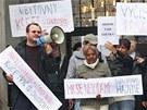 Demonstrace ob�ansk�ch iniciativ a Rom� za lep�� soci�ln� bydlen� v Ostrav�.