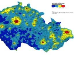 Mapa světelného znečištění noční oblohy nad Českem